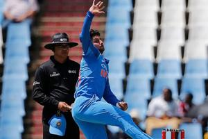 Kuldeep Yadav flummoxed by wrong-un on social media, issues apology