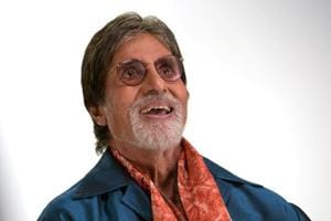 Amitabh Bachchan pens poem for 'Mr/Ms Twitter' for taking away 200,000...