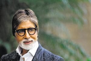 Amitabh Bachchan starts following Congress leaders on Twitter,...