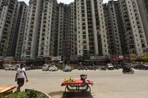 Noida, India - Aug. 15, 2017: Package on Home buyers----Under Construction of Amrapali flats at sector 76, in Noida, India, on Tuesday, August 15, 2017. (Photo by Virendra Singh Gosain/ Hindustan Times) to go with Vinod Rajput's story.