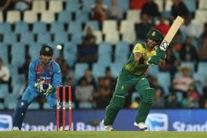 Heinrich Klassen and JPDuminy's aggressive fifties helped South Africa beat India by six wickets to level the series 1-1. Get full cricket score of the second Twenty20 International between India and South Africa here.