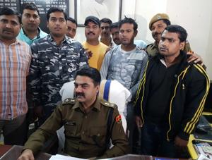 Two main accused of gold robbery nabbed in Rajasthan's Kota