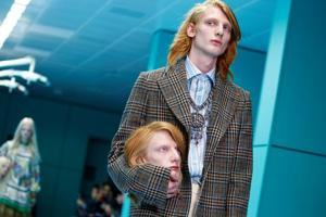 Photos: Baby dragons, severed heads in tow, models walk Milan Fashion...