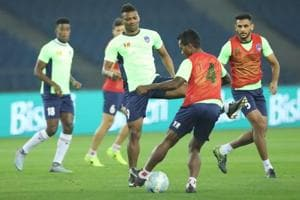 Delhi Dynamos, ATK play for pride in Indian Super League meeting