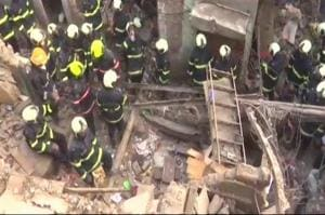 Three injured in building collapse in Mumbai's Wadala