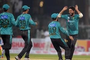 Islamabad United beat table-toppers Multan Sultans in Pakistan Super...