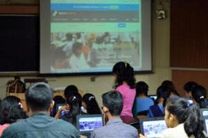 Experts caution against increasing intake in IITs
