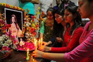 India bids tearful farewell to Bollywood superstar Sridevi