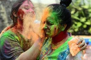 Puneites celebrate colours of joy and togetherness