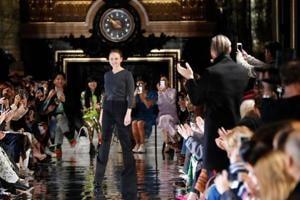 Paris Fashion Week 2018: No-fur Stella McCartney fuses men's, women's styles