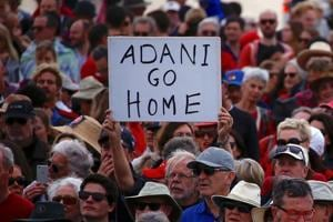 Australia PM Malcolm Turnbull backs Adani's mine project in Queensland