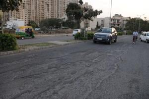 The residents updated the MCG commissioner of the dismal state of roads, sewers, drains, and water supply, among other problems they face since the developer has failed to maintain the civic amenities.