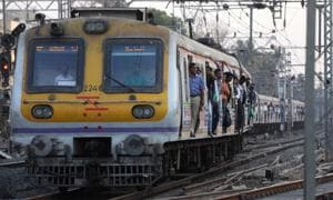 Mumbai local: Motorman skips  Jogeshwari station, commuters left...