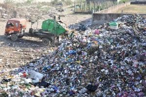 Only 3% wards in Uttarakhand have facility of 100% waste segregation at source. (Above) A dumping ground along the Haridwar Bypass in Dehradun.