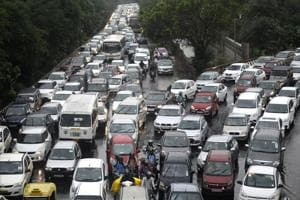 Most of the arterial roads, particularly the roads in Noida connected to the DND Flyway, Master Plan-II Road, Road No.6 and the Delhi-Noida Link Road, witness congestion during peak hours.
