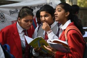 The CBSEClass 10 and 12 board exams began on March 5. Mahua Mallick, a class 10 English teacher at Ahlcon International School, said a few of her students were unable to locate these words while others who did not rely on the paragraph cues found them.