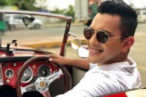 Aditya Narayan apologises for crashing car in rickshaw: Will bear full...