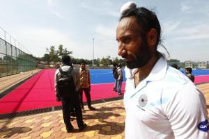 Sardar Singh has been axed from the Indian hockey team for the 2018 Commonwealth Games.
