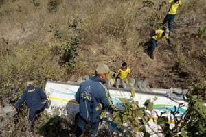 13 killed, 14 injured as bus falls into gorge in Uttarakhand