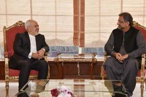Iran asks Pakistan to join Chabahar project, backs Kashmir cause