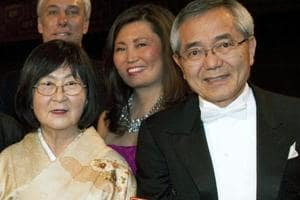 US cops find Nobel prize winner wandering in Illinois, wife's body at...