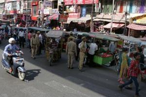 E-rickshaw sealing drive turns violent in Noida, 12 drivers arrested
