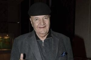 Prem Chopra to young actors: You've to settle yourself in a commercial...