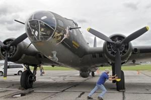 Restored WWII bomber Memphis Belle to be displayed at Ohio museum