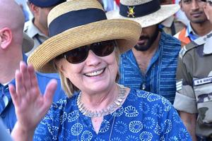 Hillary Clinton fractures right wrist, treated in Jodhpur hospital