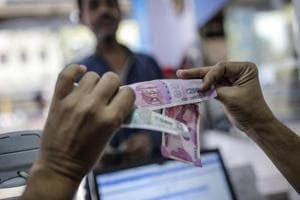 Rupee strengthens 4 paise against US dollar