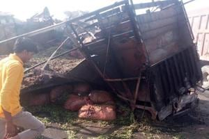 Four burnt alive in head-on collision of two trucks