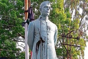 War of words after Nehru statue vandalised in Bengal's Burdwan...