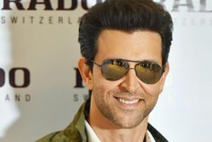 Hrithik Roshan posts a video of mother Pinkie lifting weights,...