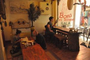 Bona Café, in a narrow alley at Bengali Tola, is typical of the Korean cafés in Varanasi - low seating, Korean- language menus, home-style meals and Seoul-style street snacks on offer, with one significant difference. The meat is limited to chicken.