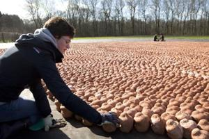 Installation of 6 lakh clay figures in Belgium to commemorate carnage...