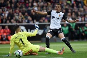 Rodrigo, Simone Zaza send Valencia third in La Liga with win over...