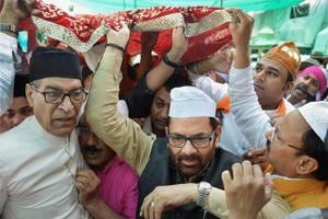 Prime Minister's chadar offered at Ajmer dargah, recorded message...