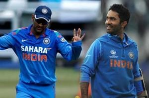 MS Dhoni 'topper in university where I am still studying' - Dinesh...