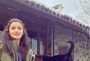 Alia Bhatt injured on Brahmastra sets in Bulgaria, may return to...