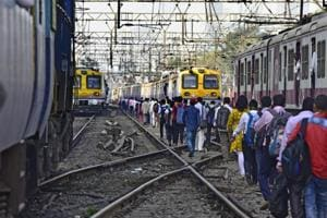 Rail roko: Mumbai university students couldn't reach in time for tests
