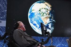 Stephen Hawking's ashes to rest near graves of Newton, Darwin inside...