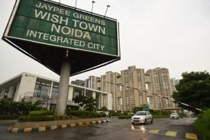 Jaypee told to deposit Rs 200 crore with SC by May 10