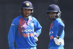 Smriti Mandhana urges India women's team to learn from Mithali Raj and...