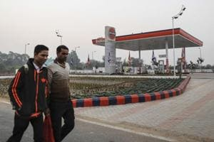Indian Oil plans big expansion, said to invest $3.5 billion in FY18