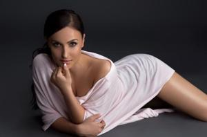 Elli AvrRam's dancing routine involves a mix of ballet, modern dance, fusion and some Indian moves too.