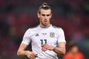 Ryan Giggs wants Gareth Bale to stay at Real Madrid