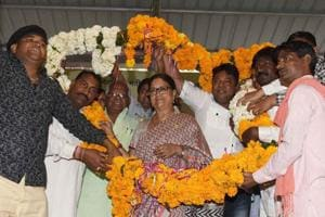 Valmiki community members felicitate CM Vasundhara Raje, in Jaipur.