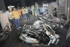 Six bikes, car gutted in fire at Ghaziabad high-rise