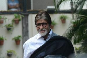 Amitabh Bachchan dons a bearded look for a cameo in Chiranjeevi's Sye...