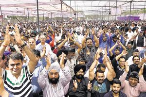 On Wednesday, over 7,000 traders, their workers and family members gathered at Ramlila Maidan to protest against the sealing drive by the Supreme Court-appointed monitoring committee.